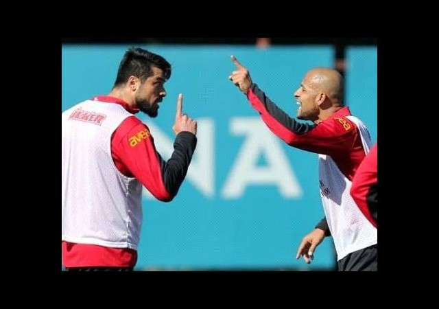 Mancini 'Gökhan & Melo kavgası'na sevinmiş!