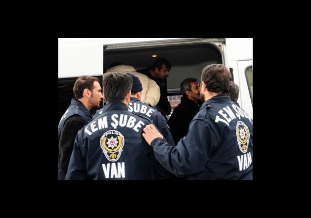 Van'da KCK Operasyonu: 12 Gözaltı