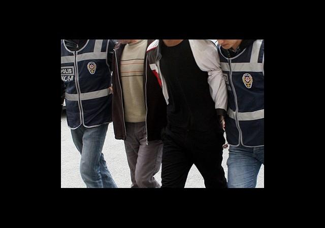 Hakkari'de 12 Kişiye Tutuklama