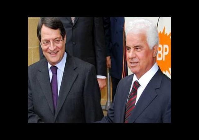 Kıbrıs 'egemenlik' önerisini kabul etti
