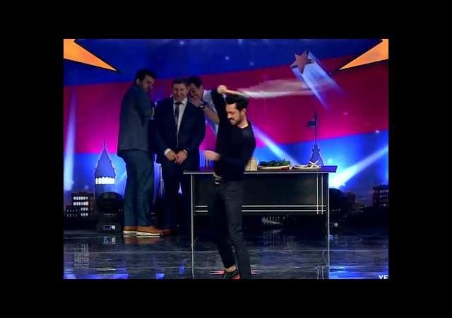 Yetenek Sizsiniz Türkiye Murat Boz ve Eser Yenenler'den kırbaç şov
