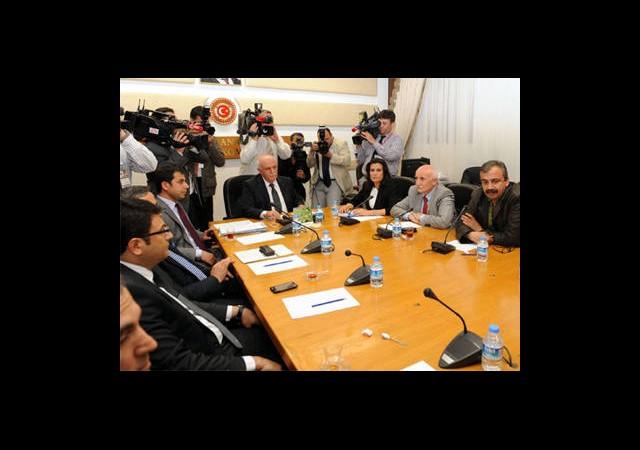 Komisyon Gazetecileri Dinledi