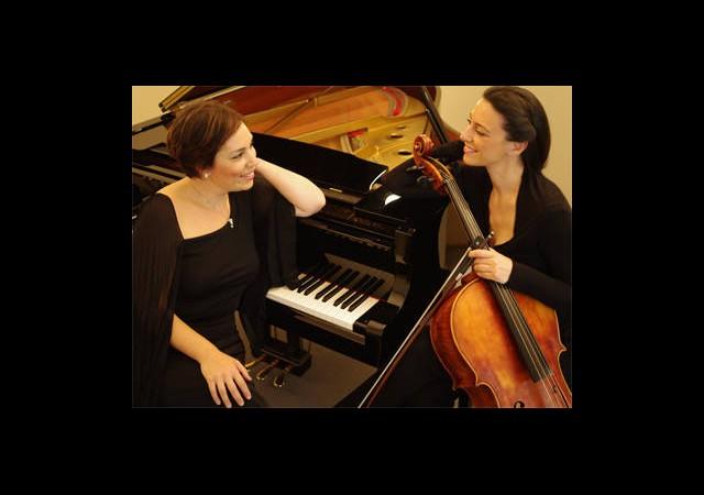 Viyolonsel ve Piyano İkilisi Enka'da