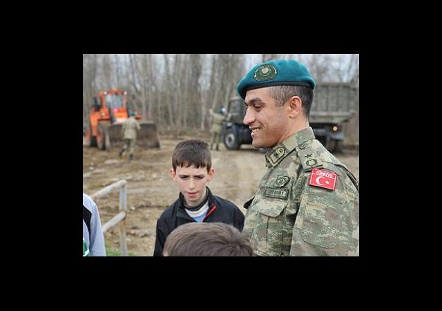 Mehmetçik Kosova'nın Gözbebeği