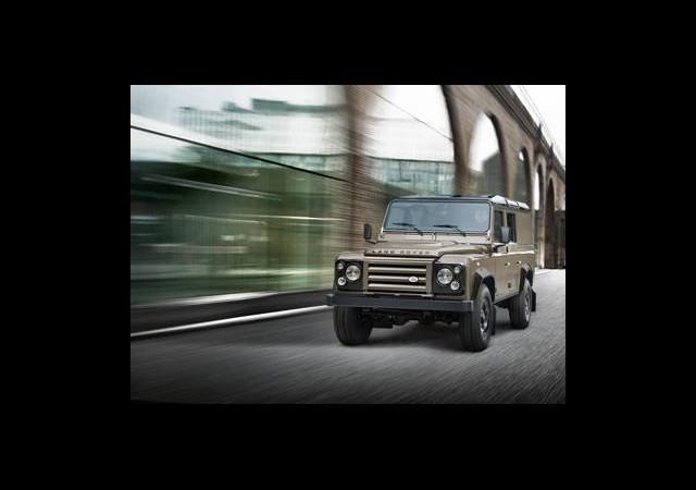 İlk Görüntüler: Land Rover Defender Xtech SE