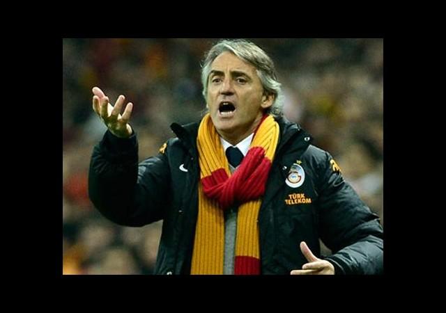 Mancini ne yapacağını şaşırdı