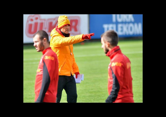 Mancini Takımını Ezberliyor...