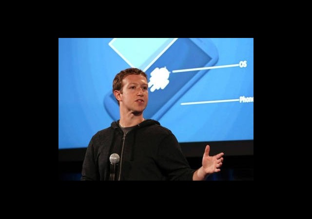 Facebook'un Kurucusu Siyasete Atıldı