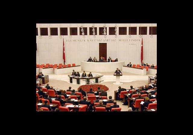 Irak ve Suriye Tezkereleri Meclis'te!