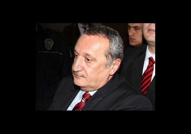 Mehmet Ağar Cezaevine Giriyor