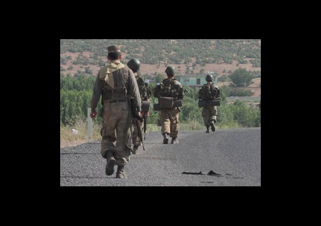 Mehmetçik PKK'lı Grubun İzini Sürüyor