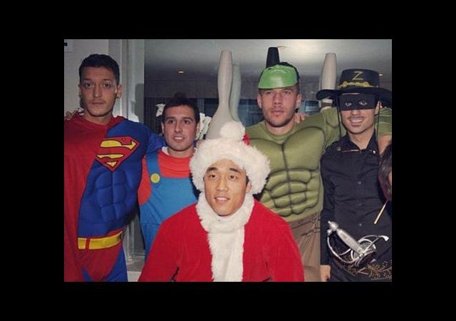 Mesut Özil 'Superman' Oldu!
