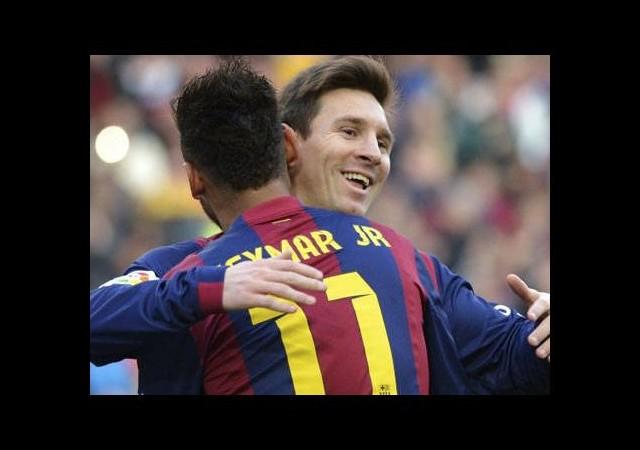 Messi Ronaldo'yu yakaladı