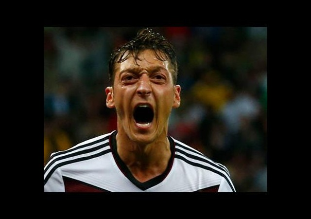 Mesut Özil'den o iddiaya yalanlama