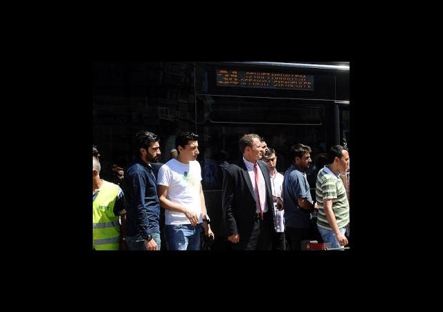 Uzun Otobüs Kuyruğuna Son
