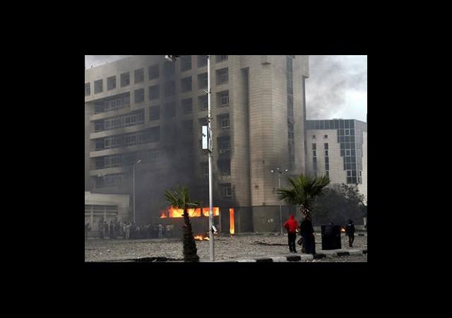 Mısır'daki Gösteriler Sürüyor!