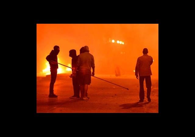 Mısır'da Yüksek Gerilim: 126 Yaralı