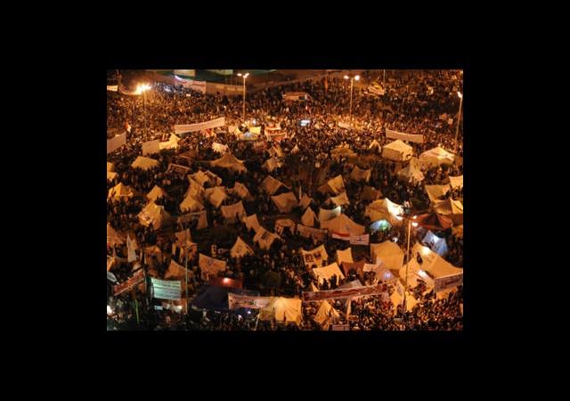 Tahrir Meydanı'nda Oturma Eylemi