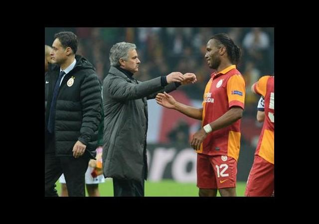 Mourinho Drogba'yı Aradı ve...