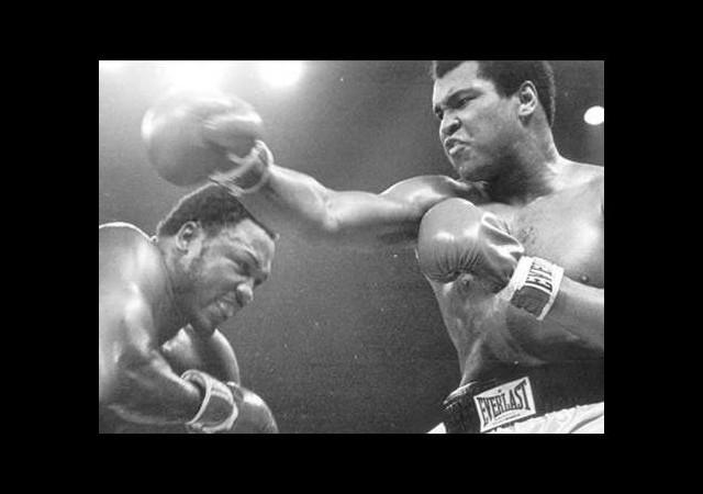 Muhammed Ali'nin eldivenlerine servet ödediler!
