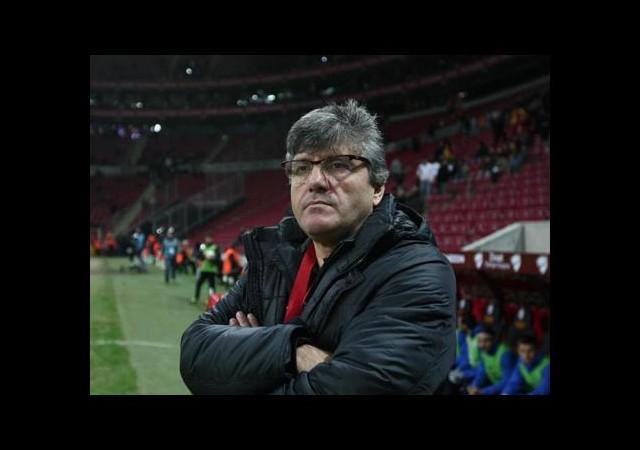 Akçay'dan Futbolculara Gözdağı