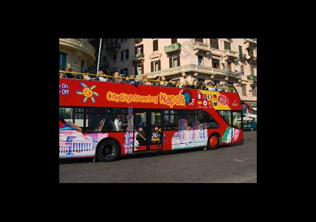 Avrupa'nın Göbeğinde Otobüs Seferleri Durdu