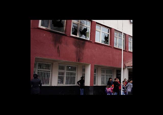 Hakkari'de Okul Yakan PKK'ya İsyan