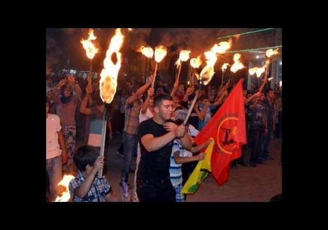 IŞİD protestolarında olaylar çıktı