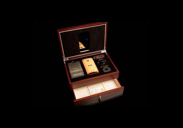 Altın Kaplamalı HTC One