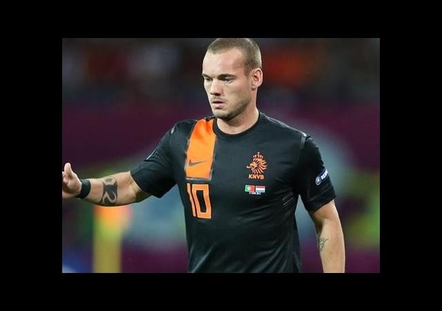 Sneijder Uyardı! 'Otelden Çıkmayın'