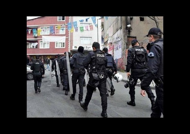 Polis Okmeydanı'nda operasyon başlattı