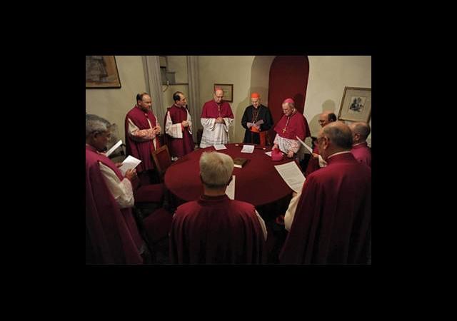 Yeni Papa İçin İlk Toplantı