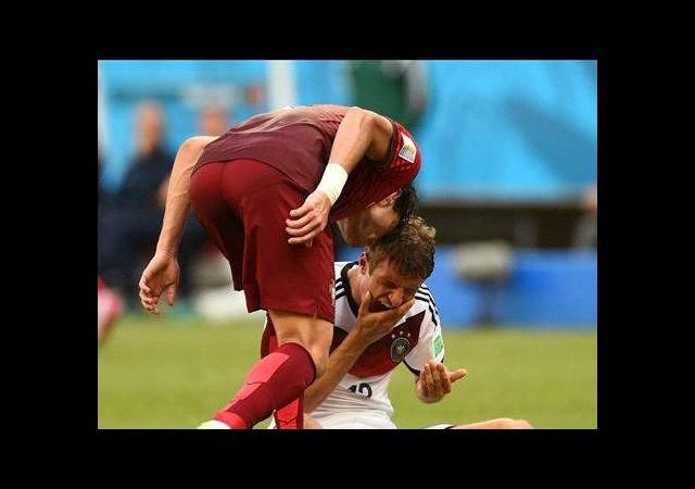 Pepe yine yaptı yapacağını!