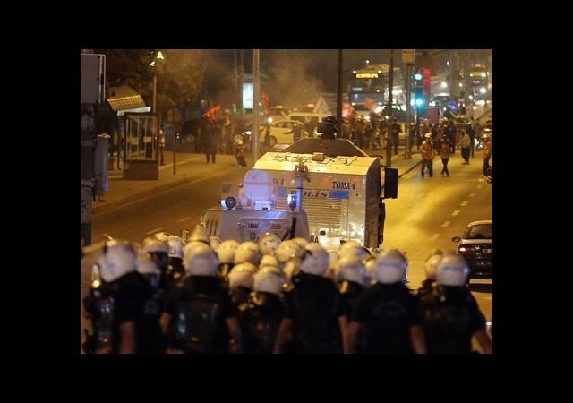 'Atakan' Eylemlerine Polis Müdahalesi