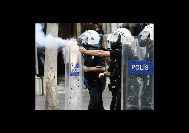 Polis'in Bir Yıl Önceki Gezi Provası!