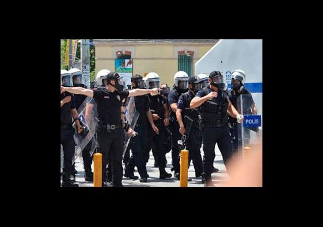 '4 Polis İntihar Etti Ama...'