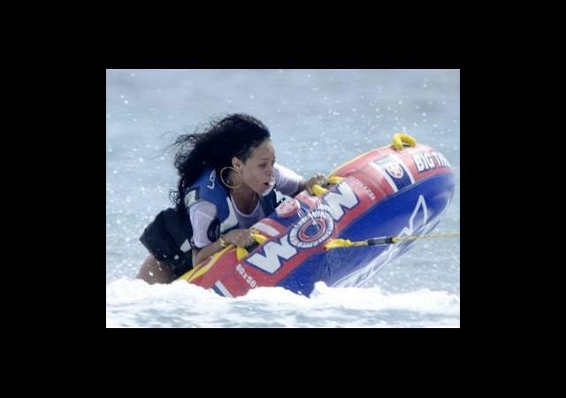 Rihanna Adrenaline Doydu!