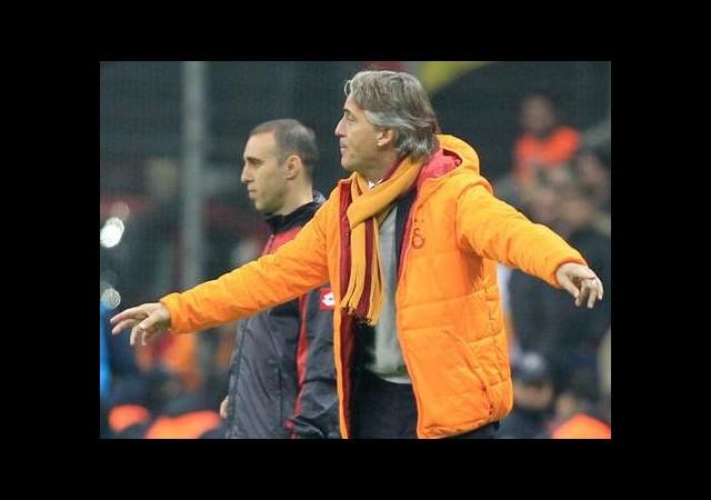 Mancini Memnun Ama...