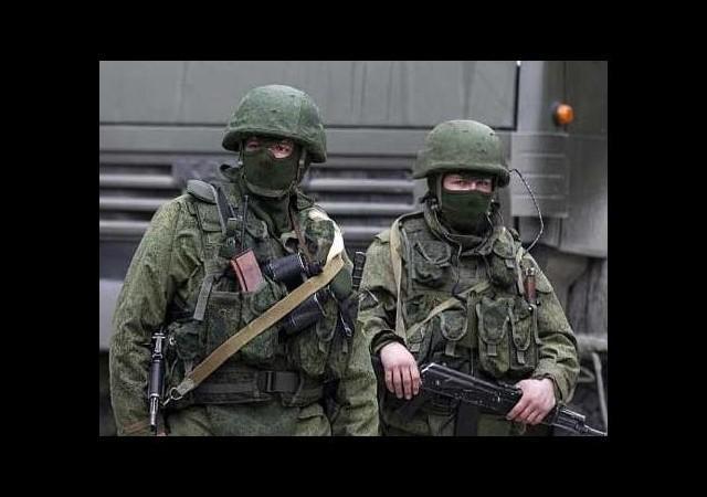 Rus ordusu askeri birliği kuşattı
