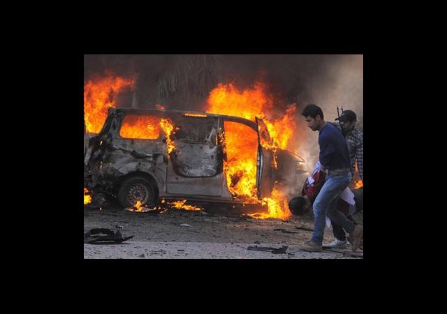 Şam'da Bomba Yüklü Araç Patladı