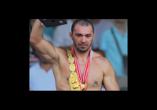 652'nci Edirne Tarihi Kırkpınar Yağlı Güreşleri'nin Şampiyonu Belli Oldu