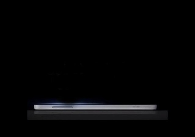 Samsung'tan Son Bomba: Galaxy J