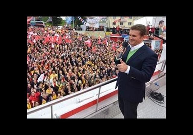 'İstanbul'da bir tek afişlerini bırakmam'