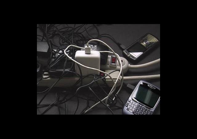 'Cep Telefonumun Şarjı Bitti' Derdi Bitiyor!