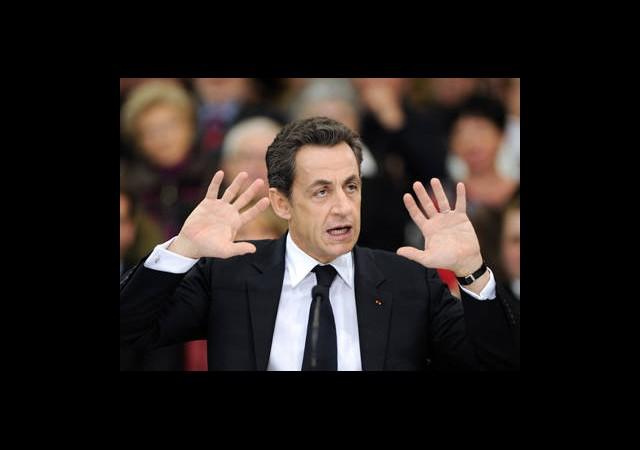 Sarkozy Kaybetti Bursa Kazandı
