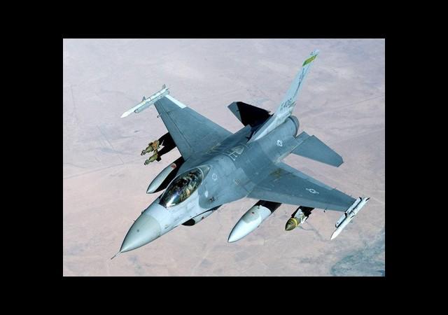Savaş Uçaklarına Mühimmat Türk Robottan