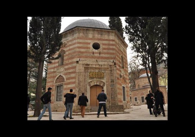 Şehzade Mustafa türbesine akın ettiler