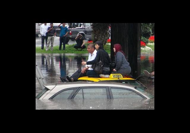 İstanbul'u Sel Vurdu!