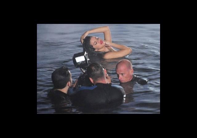 Selena'nın Klibinden İlk Kareler