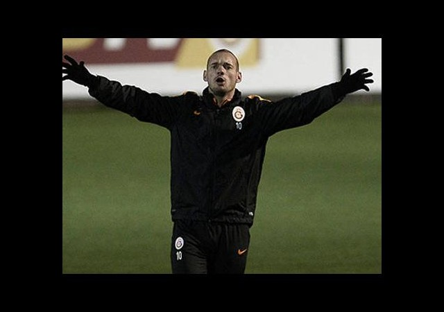 Sneijder belirsizliği devam ediyor!